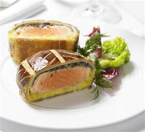 gordon ramsay cuisine salmon en croute gordon ramsay recipe my