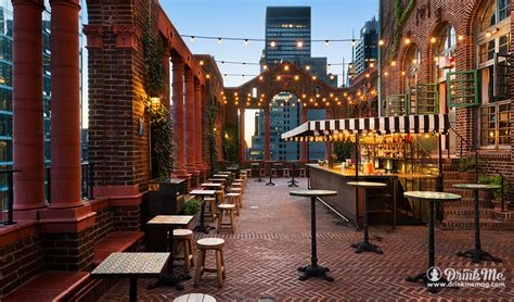 The 8 Best Rooftop Bars In Nyc