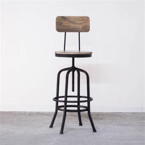 chaise de bar metal tabouret de bar industriel avec dossier en bois et métal