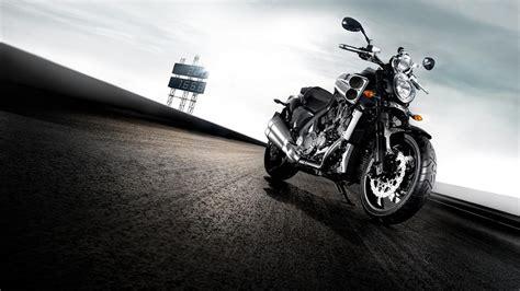 Yamaha Bike Wallpaper 00743