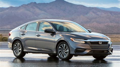 The 2019 Honda Insight Looks Whatever But Gets 55 Mpg In