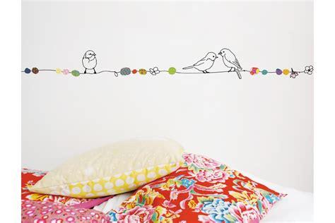 chambre bébé en bois massif des stickers muraux dans une chambre d 39 enfant zinezoé