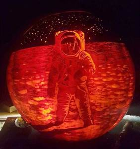 Ultra Impressive Astronaut On Moon Pumpkin Carving ...