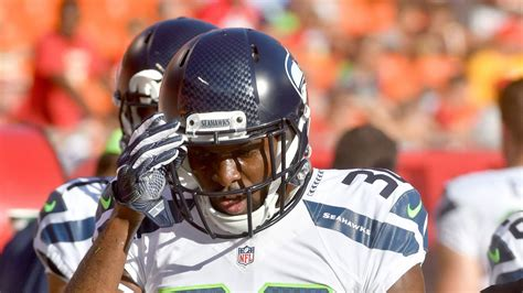 seahawks roster cuts     man roster limit