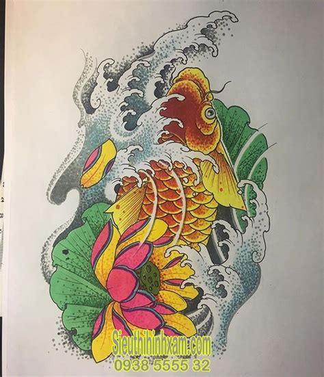 Hình ảnh cá dưới nước biểu tượng cho việc bạn ăn nên làm ra, may mắn, mọi việc đều thuận lợi như cá gặp nước. 350+ Những hình xăm cá chép đẹp nhất - Tattoo Cá Chép | Hình xăm, Cá chép, Koi