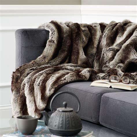 plaid et jeté de canapé où trouver de la déco en fausse fourrure joli place