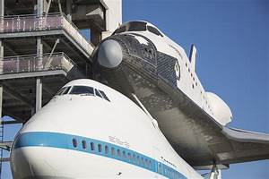 Space Center Houston | The Independence Plaza Experience