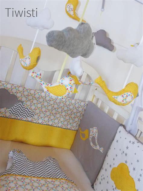 mobile complet pour bebe jaune gris  blanc oiseau  nuage chambre jaune orange