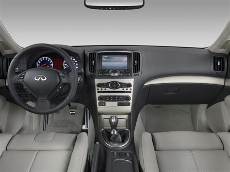 image  infiniti  sedan  door sport rwd dashboard