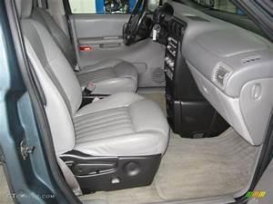 2004 Pontiac Montana Montanavision Front Seat Photo  73756382