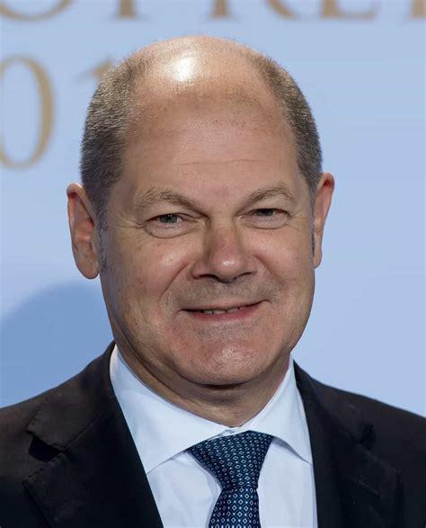 Born 14 june 1958) is a german politician serving as federal minister of finance and vice chancellor under chancellor angela merkel since 14. Disoccupazione: la proposta del tedesco Olaf Scholz, protezione unica in Ue!