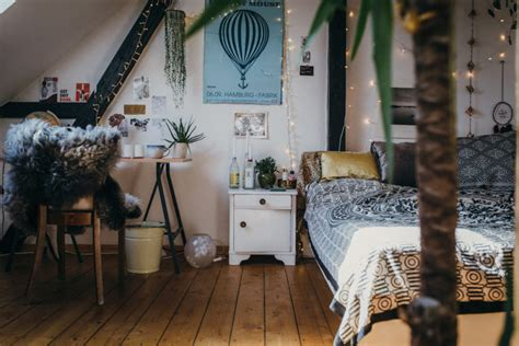 about a space wiesiolek 39 s cozy bedroom outfitters