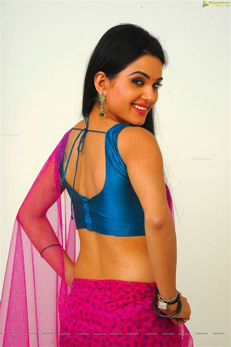 Kavya Singh Hot In Saree ~ South Indian Models