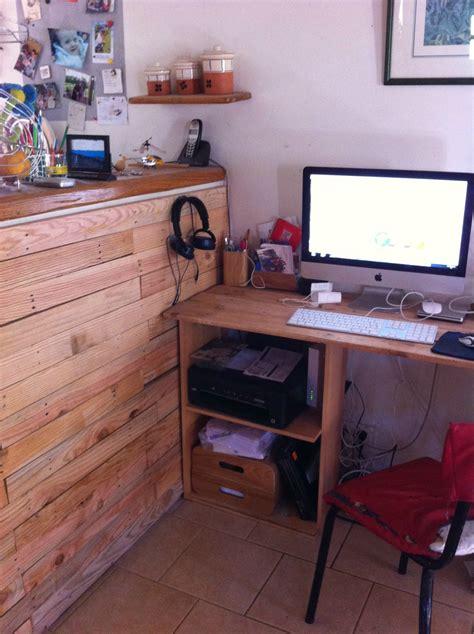 bureau de caisse comptoir en palette et coin bureau d 39 une touche à
