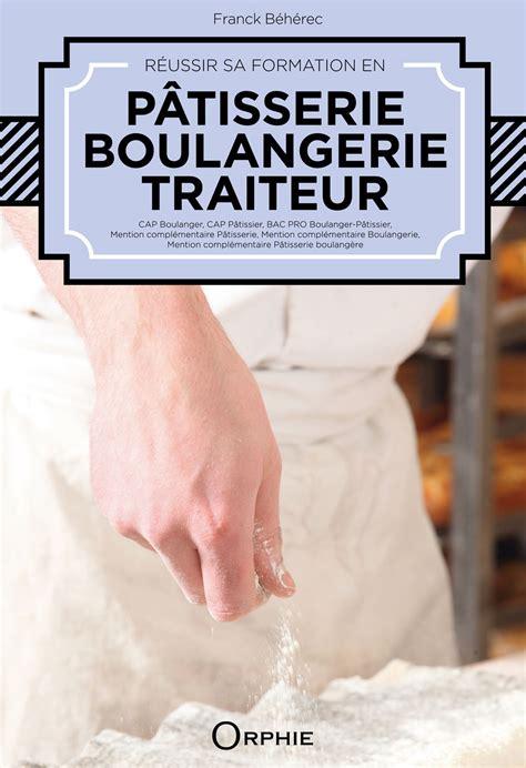 livre de patisserie pour professionnel table de cuisine