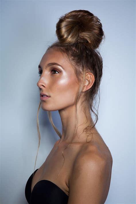 perfect  art  strobing tanned makeup tan skin hair envy