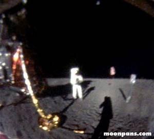 Kelvin Podiman Blog: Foto Neil Armstrong di Bulan