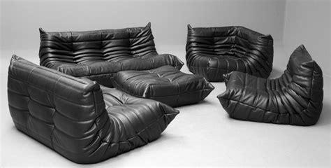 canapes roset set de canapés togo en cuir noir par michel ducaroy pour