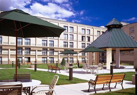 Showers Inn Bloomington by Minneapolis Airport Marriott In Bloomington Mn 55425