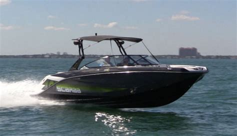 Scarab Boats 255 Review by Compare Express Cruisers 42 45 Scarab 255 Beneteau