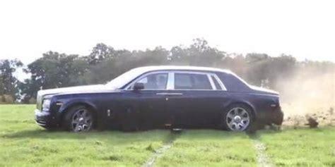 Modifikasi Rolls Royce Phantom by Rolls Royce Phantom 2013 Dipake Buat Rally Road