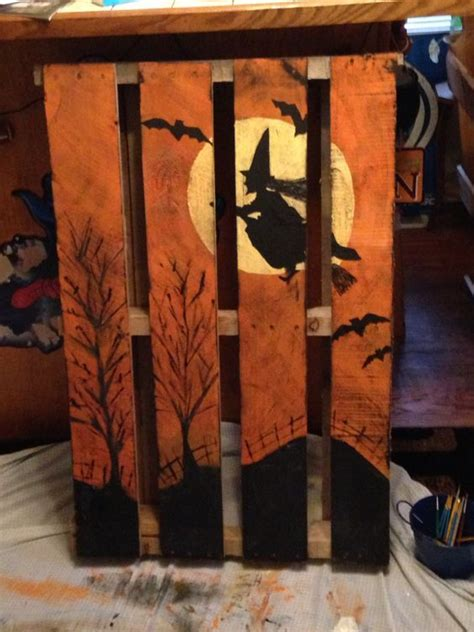 creative fall pallet projects  decorating  home   budget halloween halloween