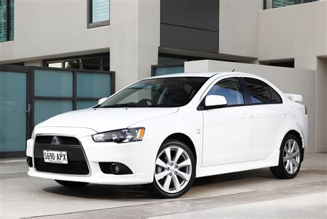 Lancer Es 2013 by 2013 Mitsubishi Lancer Update Photos 1 Of 4
