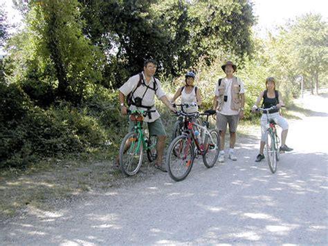 chambre hote beziers le canal du midi en languedoc découverte à vélo