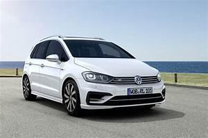 Golf R Line : volkswagen golf sportsvan r line unveiled with exterior and interior upgrades autoevolution ~ Maxctalentgroup.com Avis de Voitures