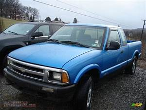 1995 Chevrolet S10 Ls Extended Cab 4x4 In Bahama Blue