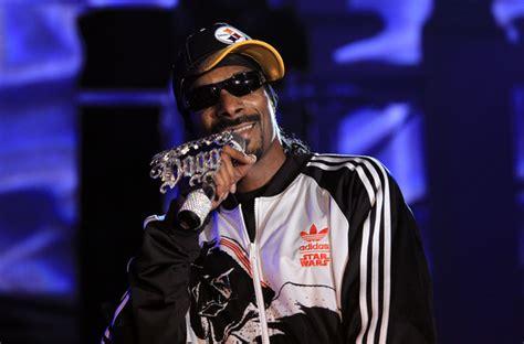 snoop dogg net worth  rapper singer songwriter