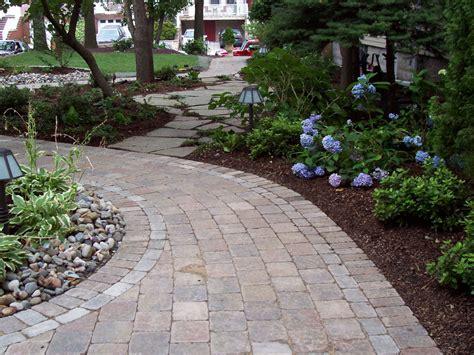 unilock pavers unilock paver brussels block like the banding backyard