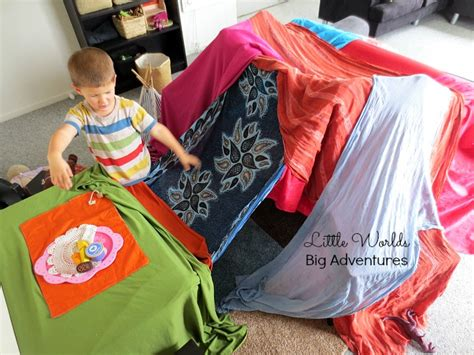A 3 Year Old's Guide To Epic Blanket Fort Building Dei Titanium Turbo Blanket Recipe Pig In A Crochet Baby Designs Patterns For Beginners Wrap Yourself Design Linus Peanuts Horse Hangers