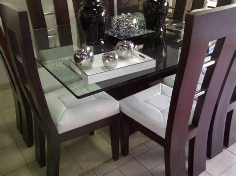 Unos muebles de sala modernos con espacio para el televisor. MODELO TERMINADO | Juegos de comedor modernos, Diseño de ...