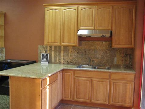 What Color Granite Goes With Honey Oak Cabinets