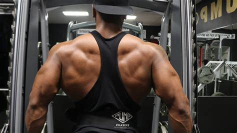 Build Up Lower Lats | BARBELL LOW ROW aka The Yates Row ...