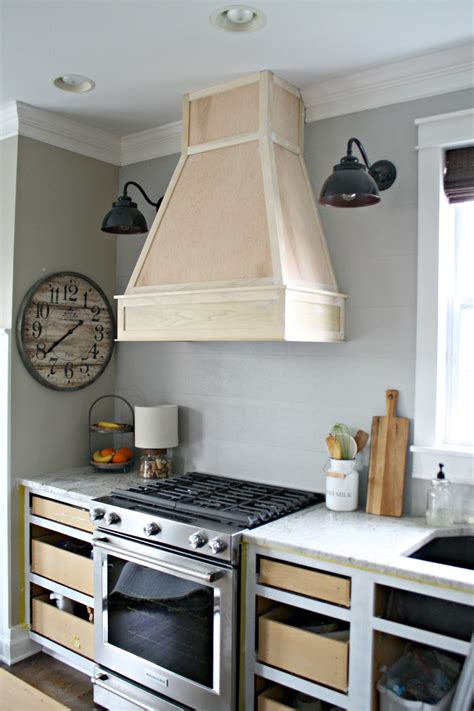A Diy(ish) Wood Vent Hood From Thrifty Decor Chick