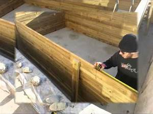 Installer Une Terrasse En Bois : installation d une piscine en bois youtube ~ Farleysfitness.com Idées de Décoration