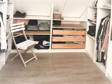 Ikea Bücherregal Wand by Pax Inloopkast Onder Een Schuin Dak Jamey
