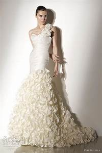 Pepe botella 2012 wedding dresses wedding inspirasi for Spanish style wedding dress