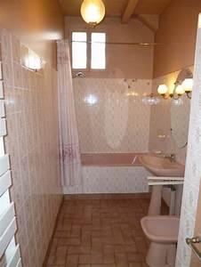 SDB : comment sauver ma baignoire rose?