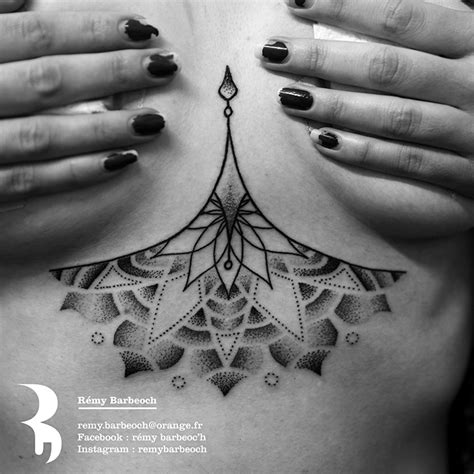 tattoo tatouage underboobs seins mandala dot dotwork