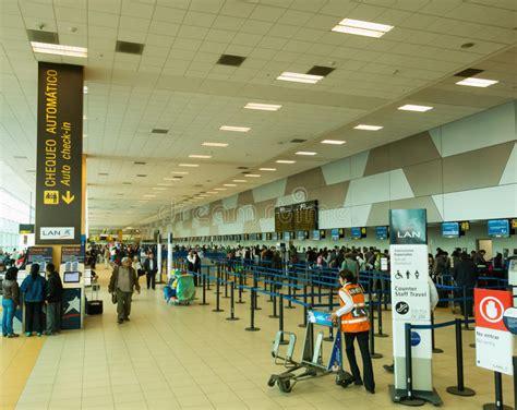 bureau d enregistrement région d 39 enregistrement dans l 39 aéroport de lima pérou