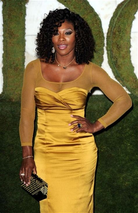 loving serena williams   curly weave hairstyle