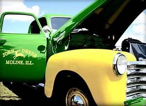 9 Awesome John Deere Trucks
