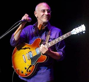Photos  Larry Carlton At The Sandler Center For The