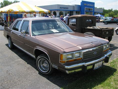 ford  crown victoria  crittenden automotive library