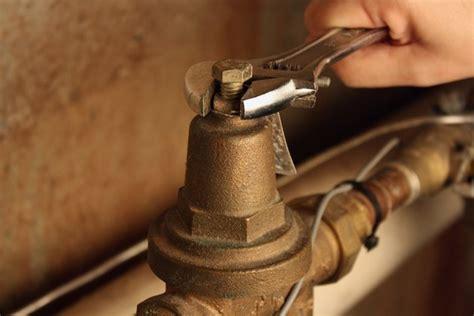 adjust  home water pressure regulator hunker