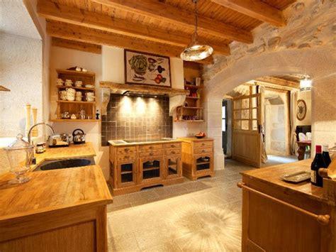 cuisine effet bois une cuisine tout en bois pour un effet chalet de montagne