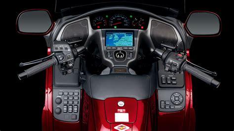 Honda-motorcycle-goldwing-cockpit-hd-315451.jpg (1920×1080